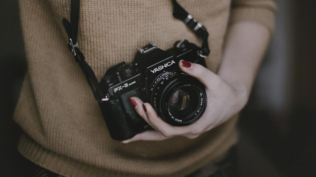 Camera Reflex camera Photographic equipment #10614