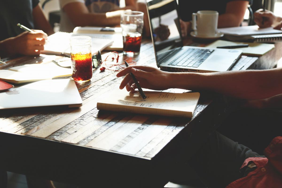 Business Desk Pen #13034