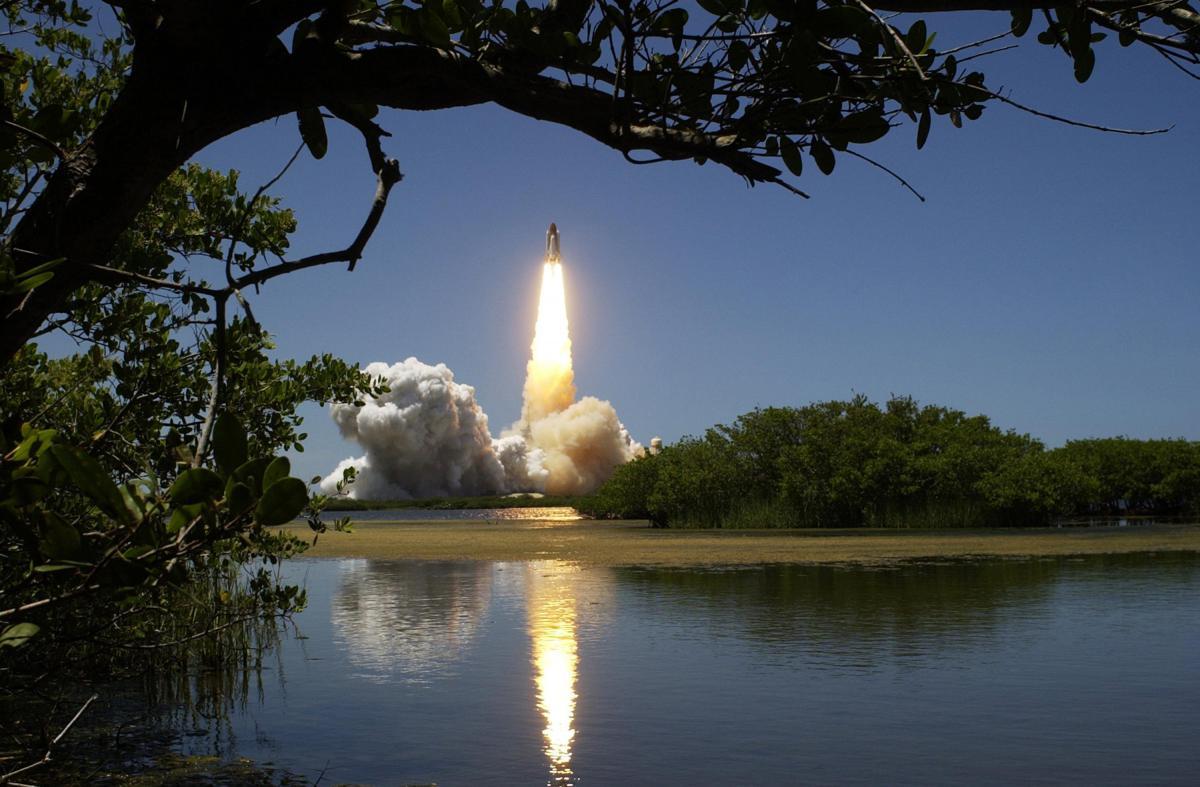 Space shuttle Spacecraft Satellite #14452