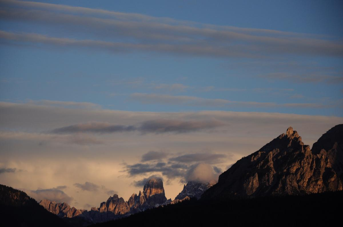 Mountain Range Landscape #170992