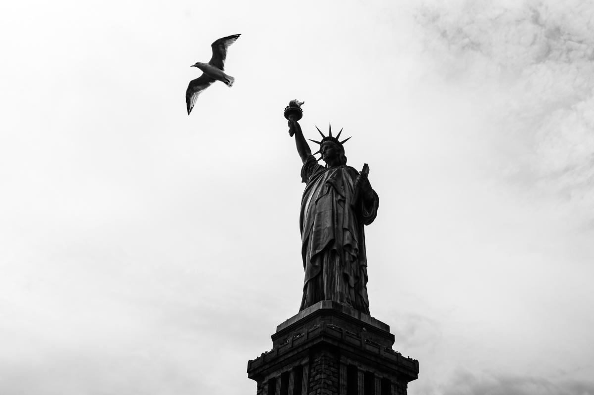Pedestal Support Statue #174657
