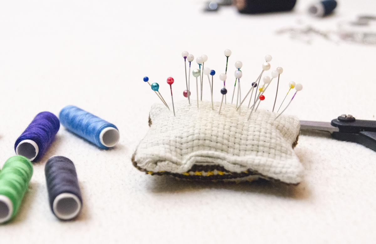 pins thread sewing