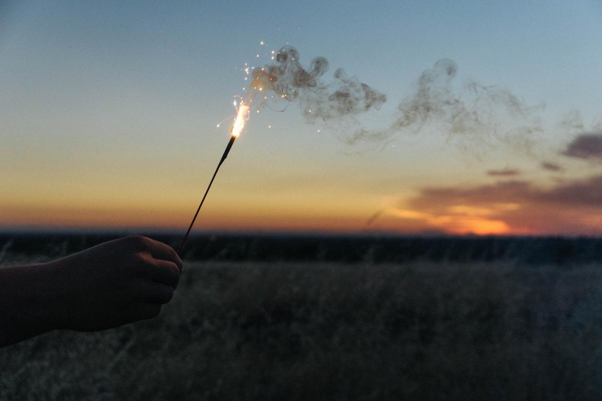 Sparkler flare smoke  #18070