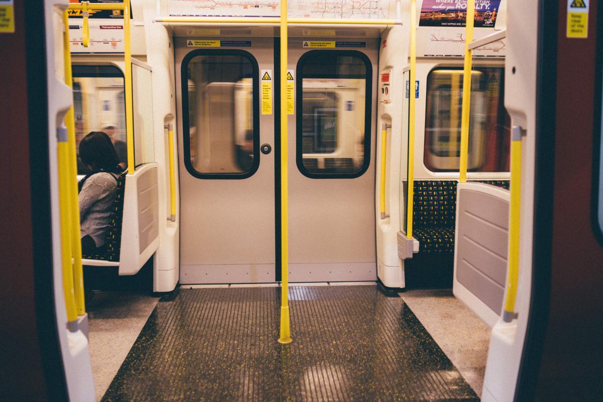 Delicieux Subway Metro Doors #18250