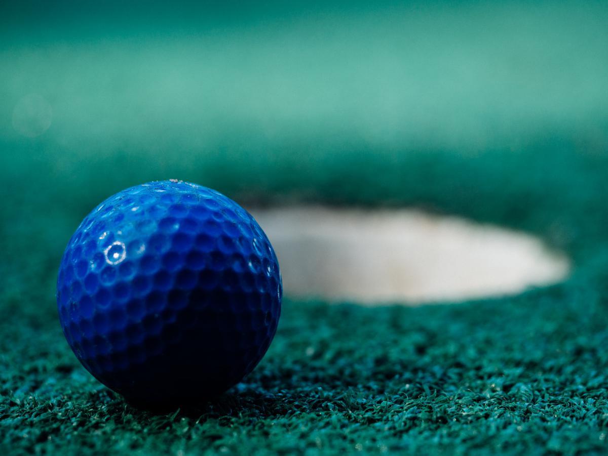 golf ball green