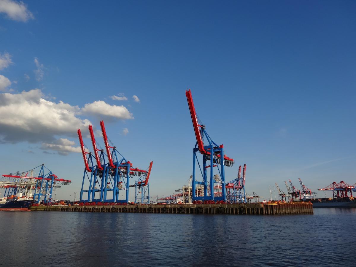 Ship Port Drilling platform