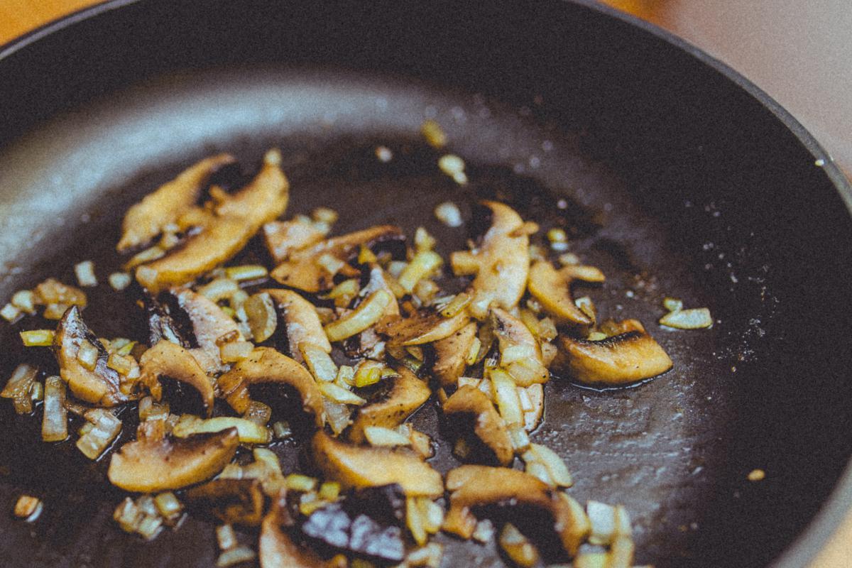 Mushrooms skillet pan  #21446