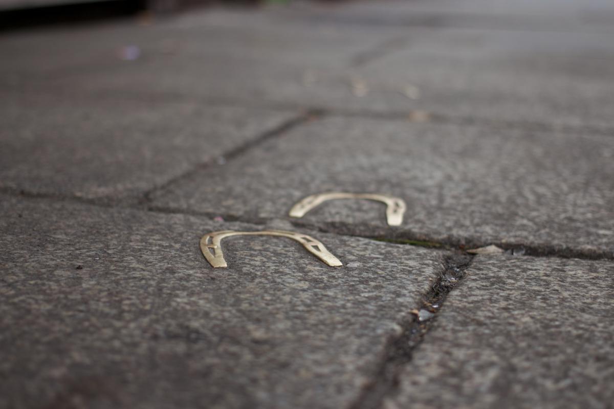 horseshoes ground path
