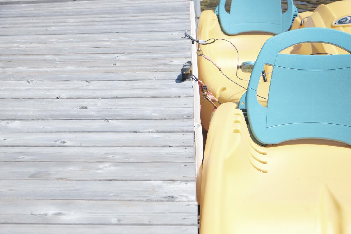 Paddle boat yellow wood  #23710