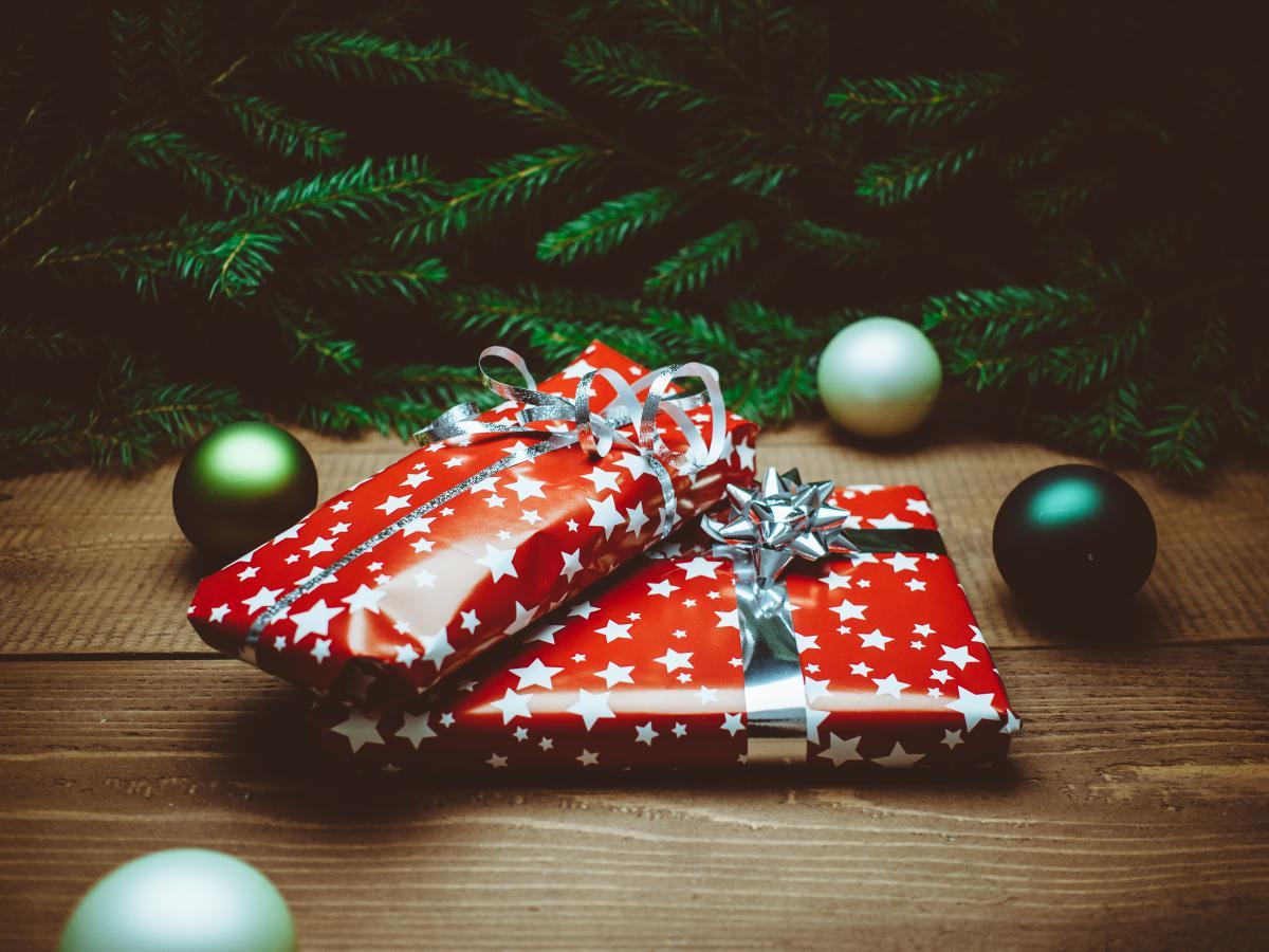 Free Christmas gifts presents #23917 Stock Photo | Avopix.com