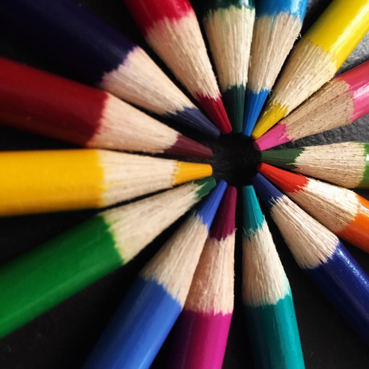 Colores surtidos. #337030