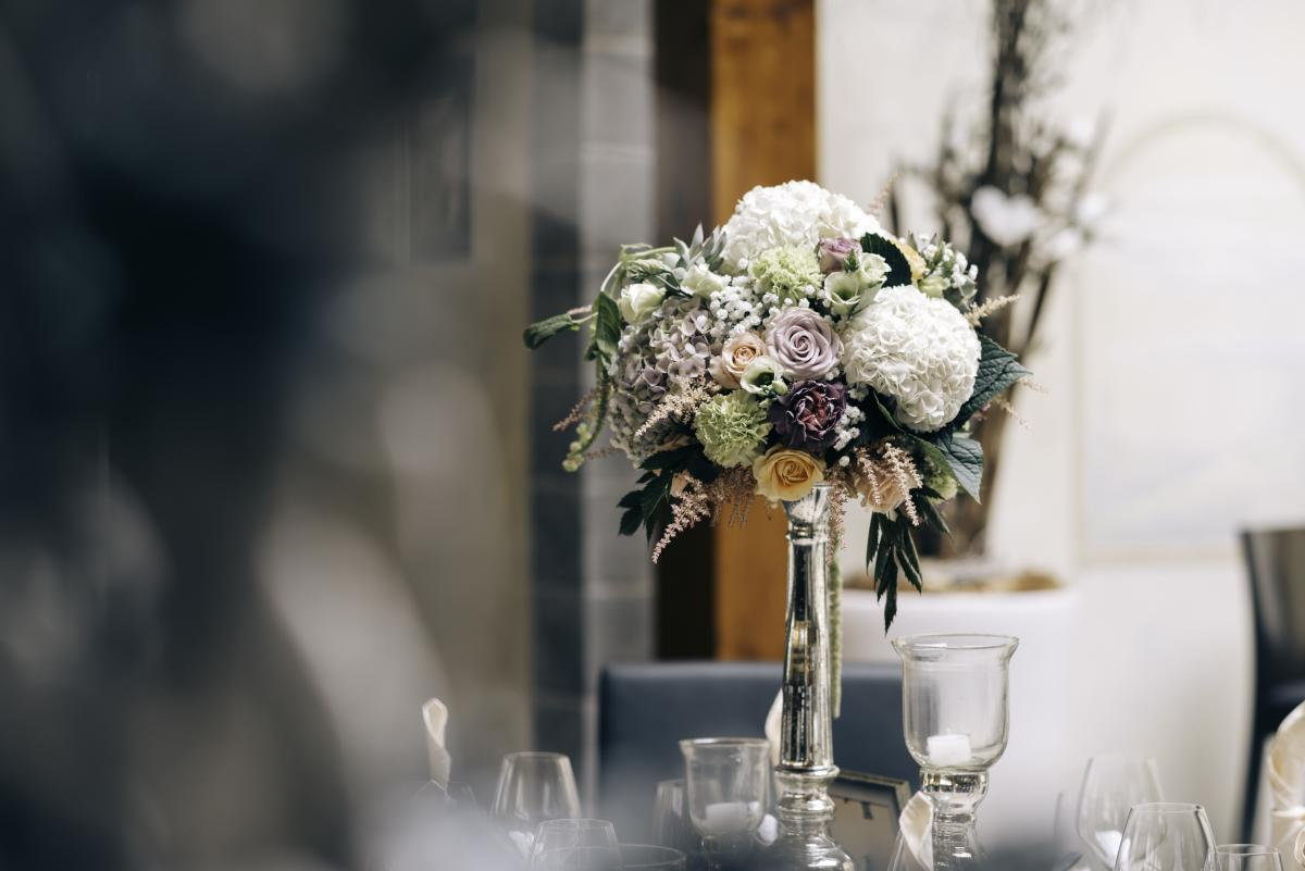 White Flower on Clear Glass Vase #35174