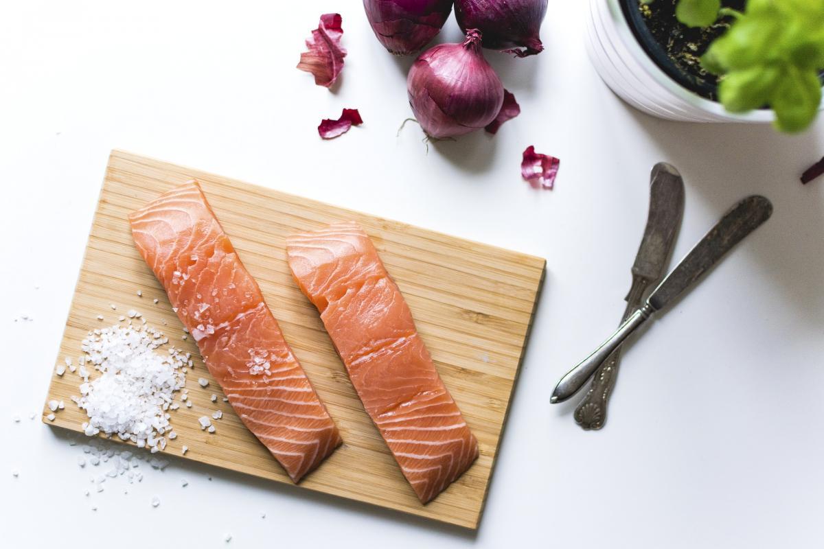 Raw salmon fillets #384614