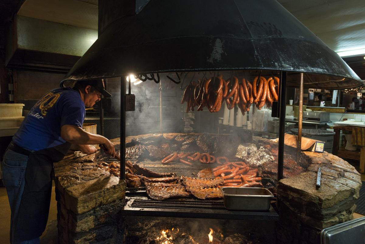 Barbecue Pit At The Original Salt Lick Bbq A Barbecue