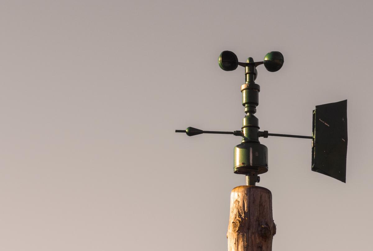 Anemometer with the sky - free stock photo #400046