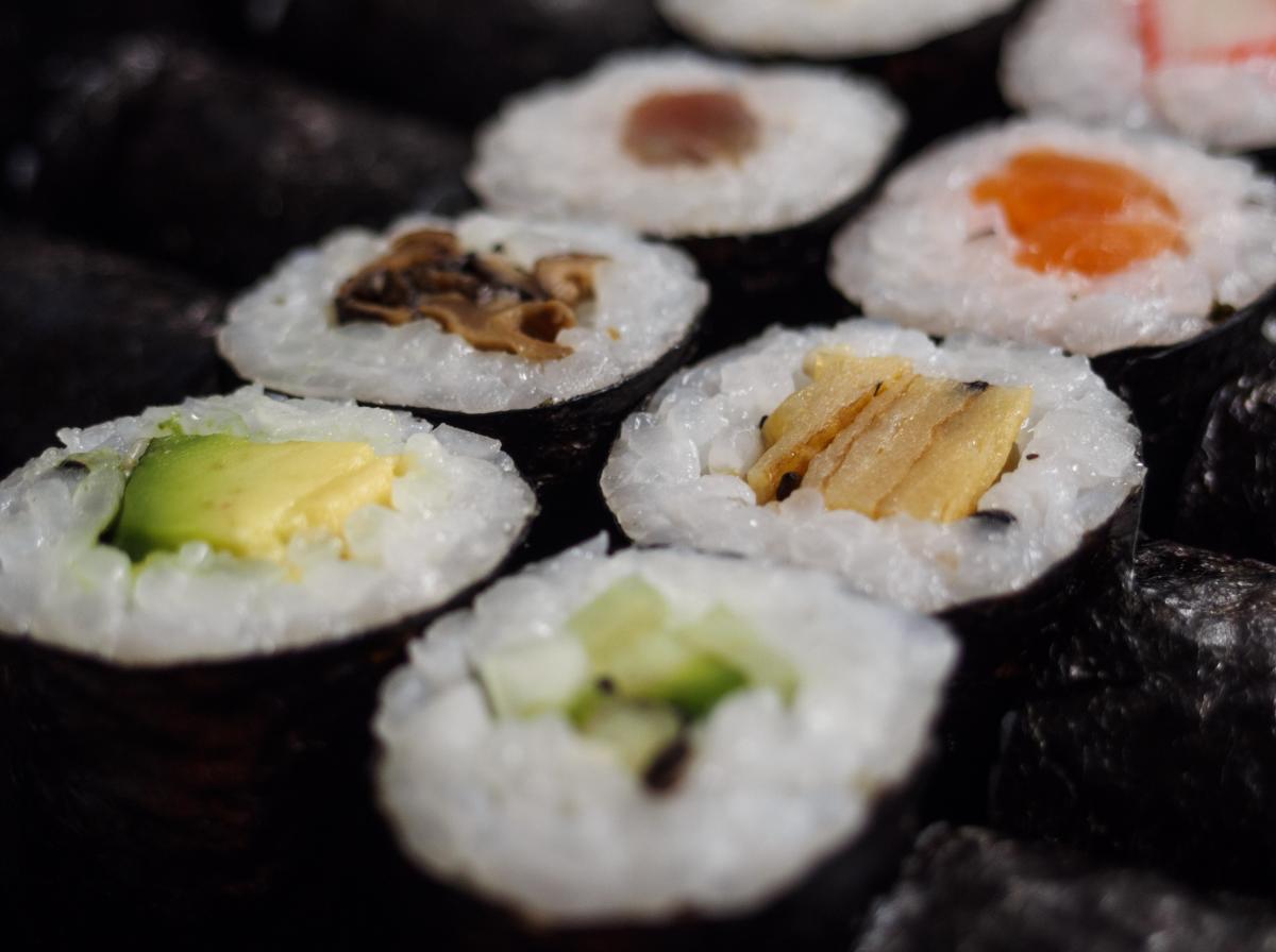 Sushi – Japanese Food - free stock photo #400059