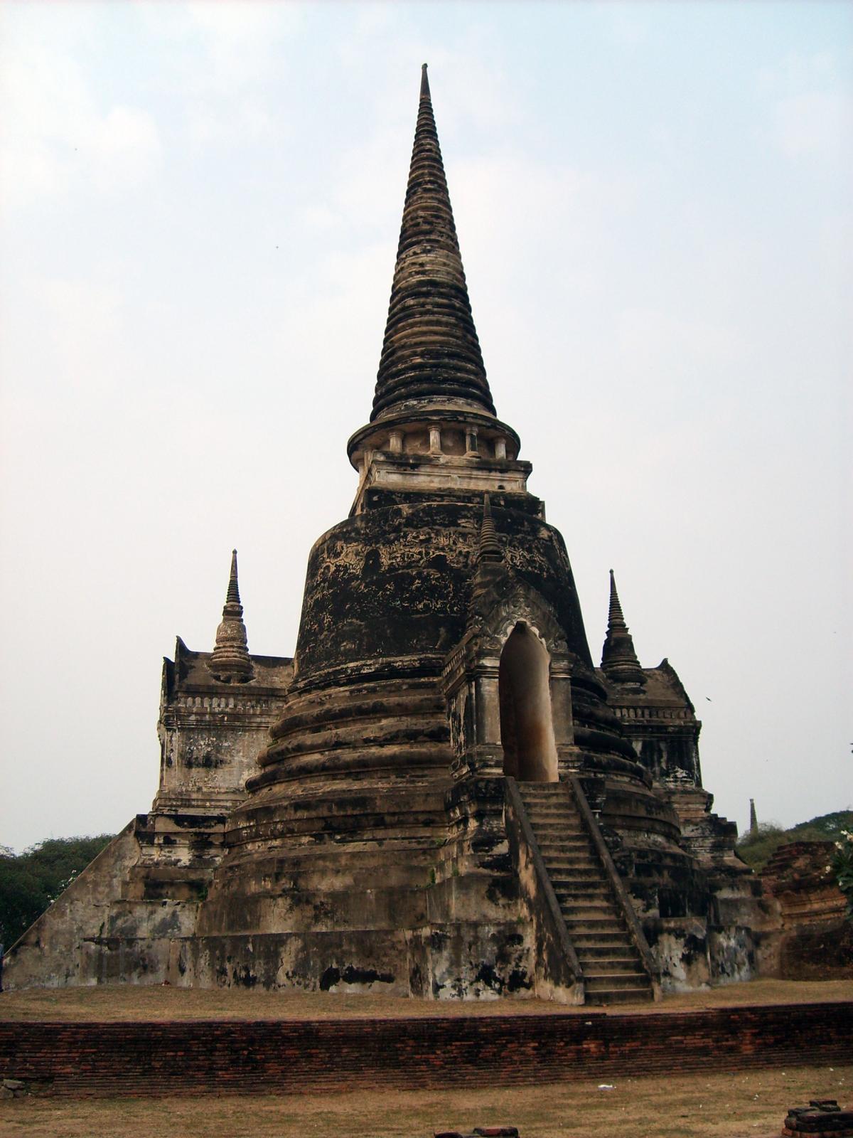 Ayutthaya buddhist complex in Thailand - free stock photo #401000