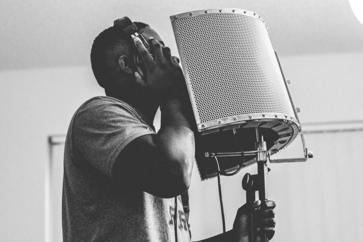Man Singing Studio Free Photo