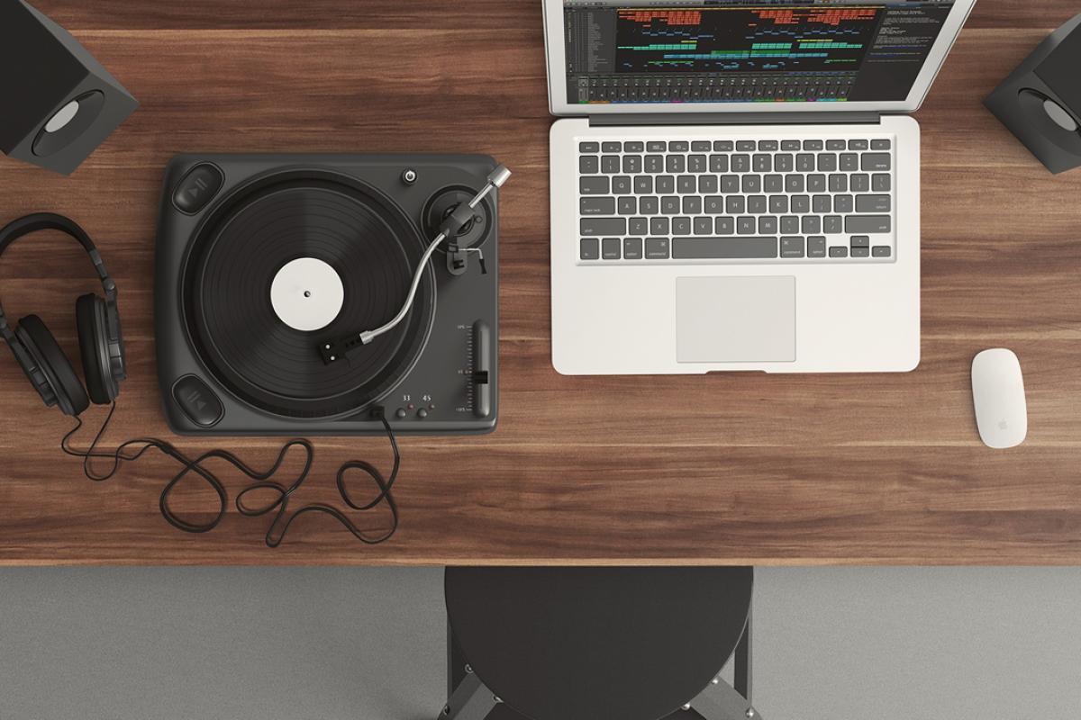 Laptop Mix Vinyl Player Free Photo #402470