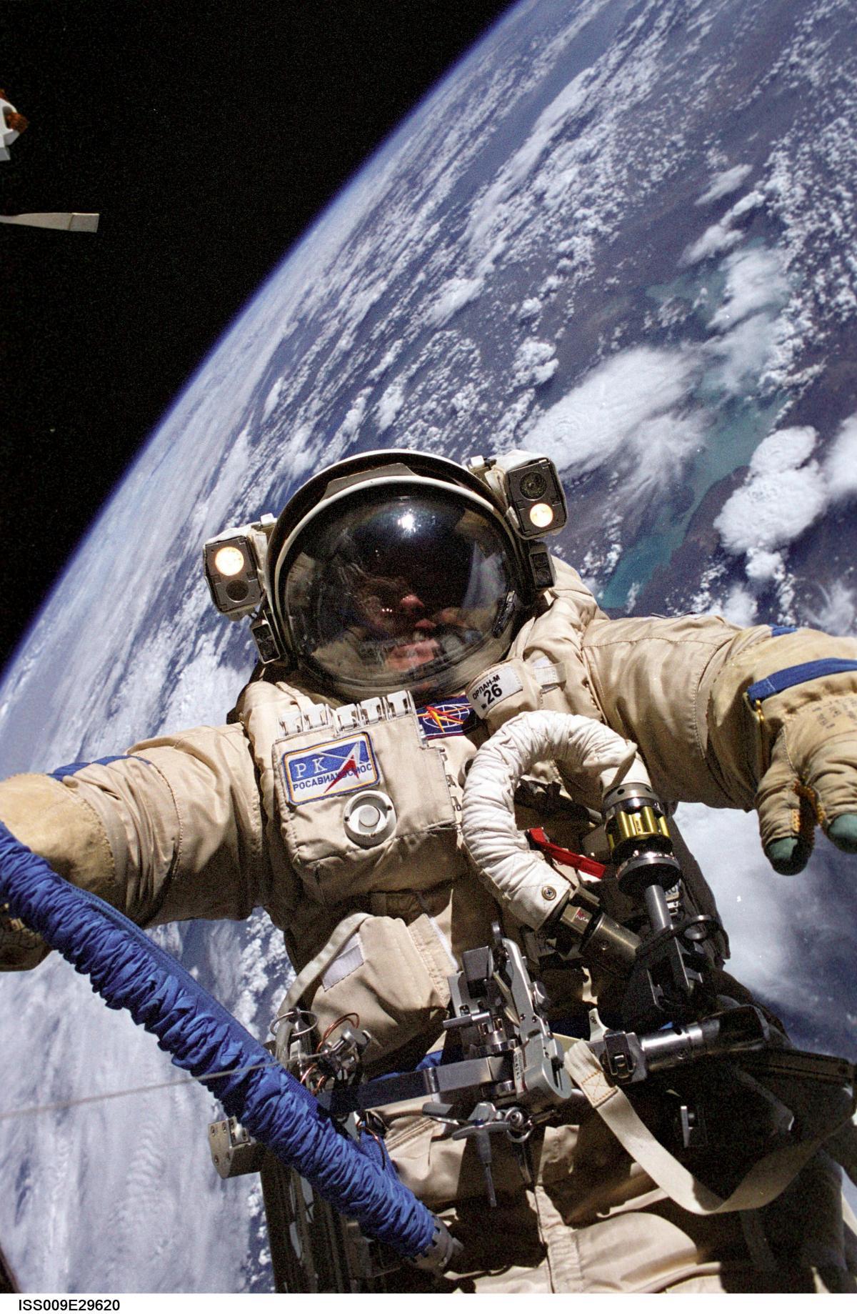 Expedition Nine Flight Engineer Fincke during EVA 3