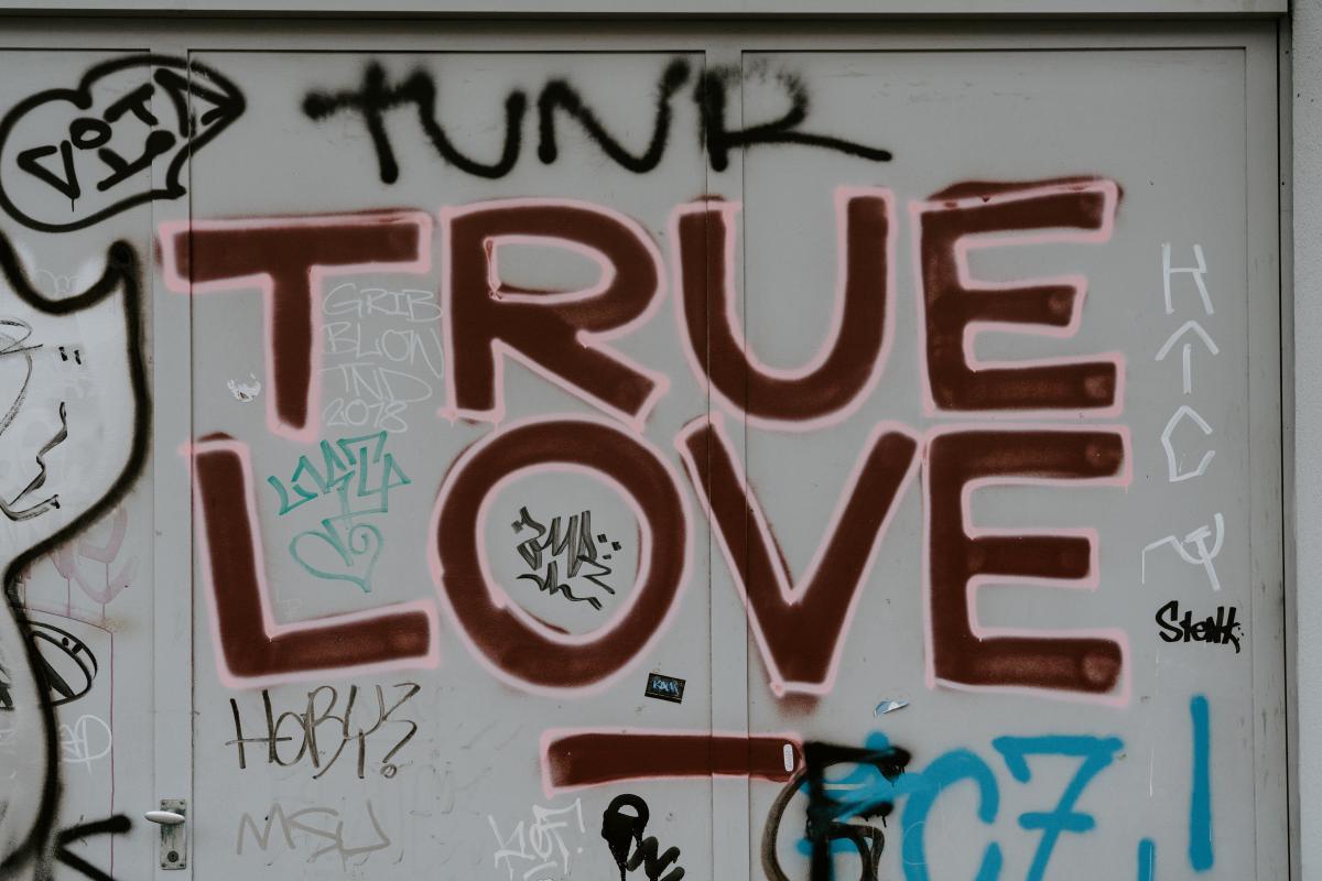Graffito Decoration Design