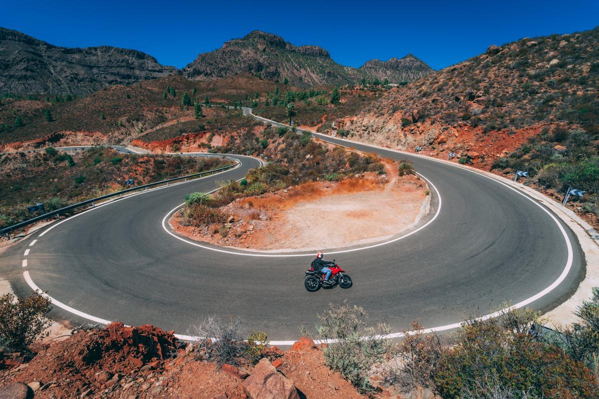 Crater Natural depression Geological formation