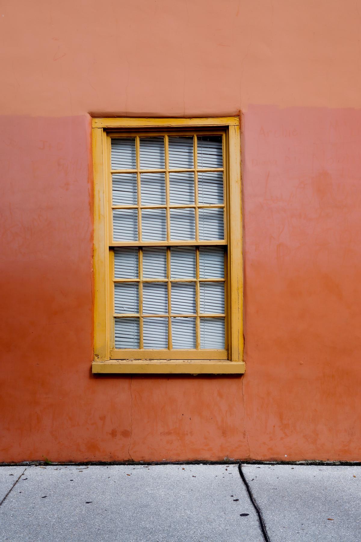 Window Wall Old #421020