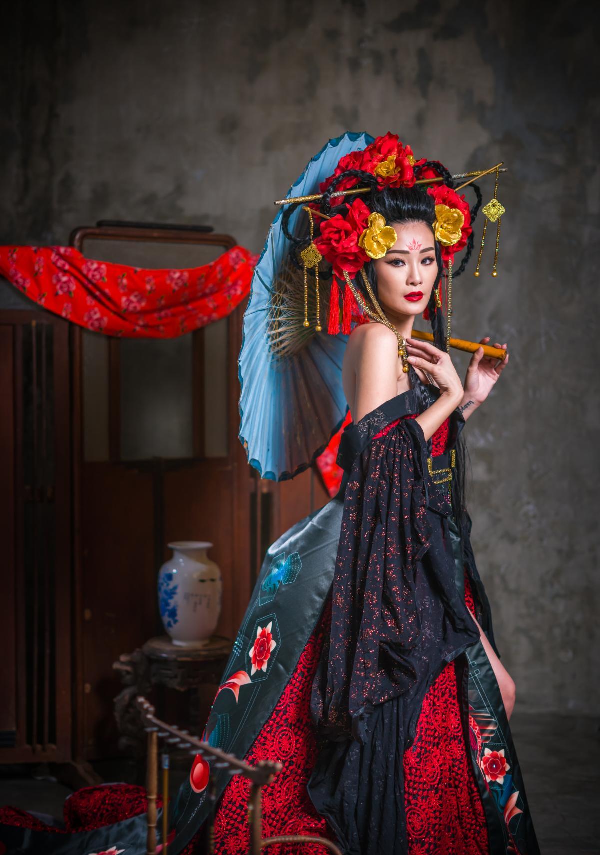 Costume Dancer Performer