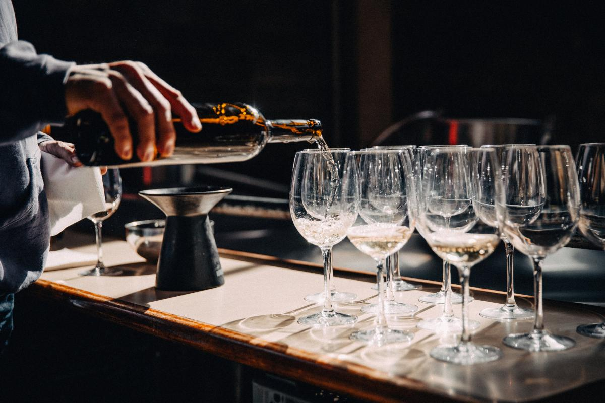 Pouring Wine Glasses Free Photo #424775