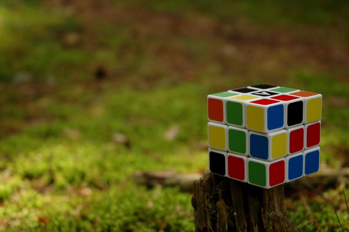 Colors cube game idea