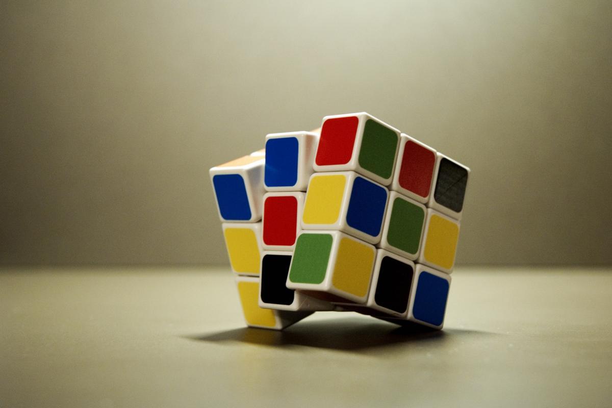 Cube game idea puzzle