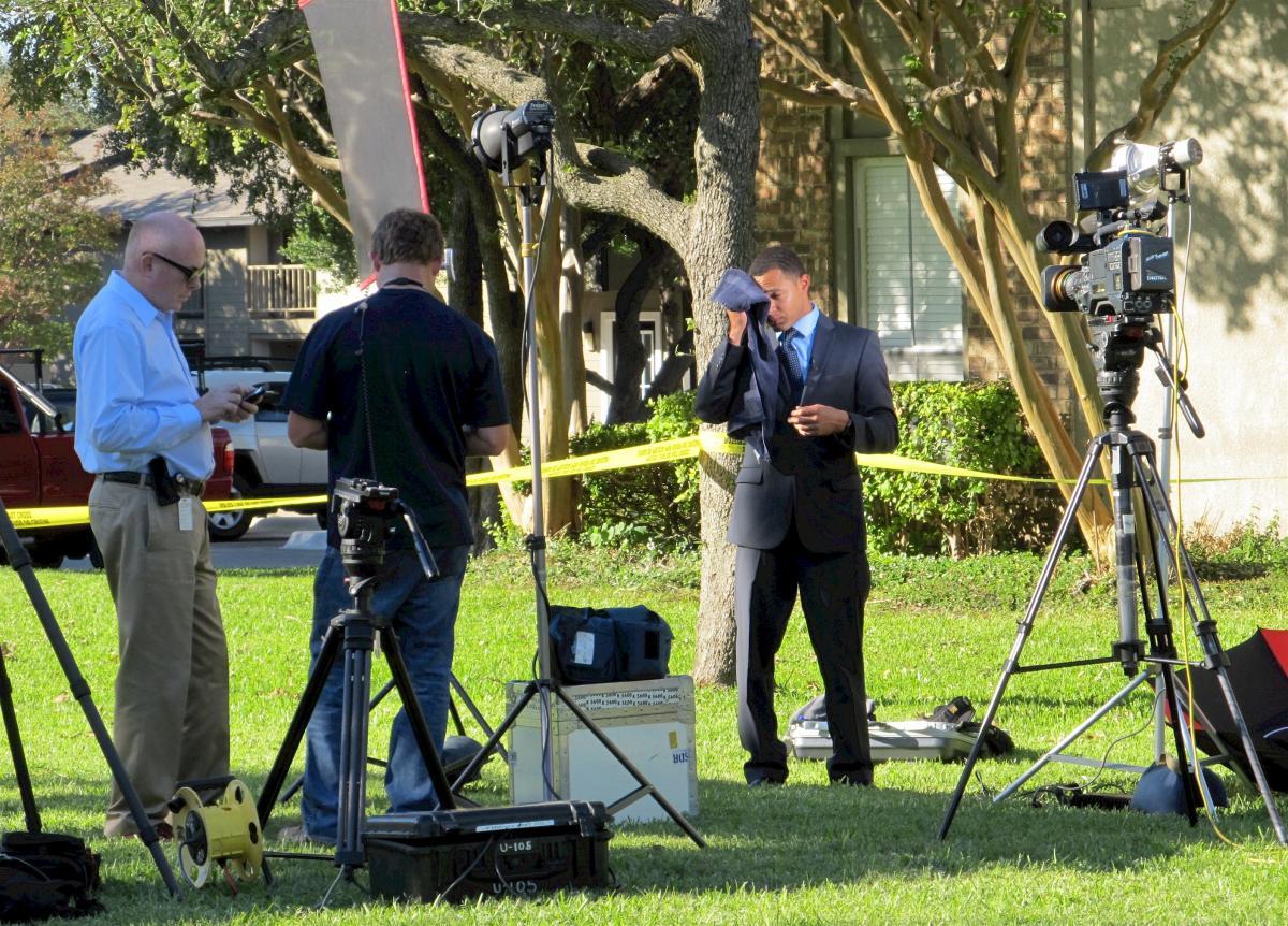 Broadcasting camera cameraman crew #82454