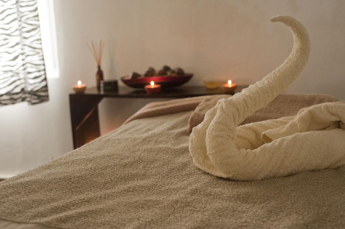 Bed bedroom blanket candles