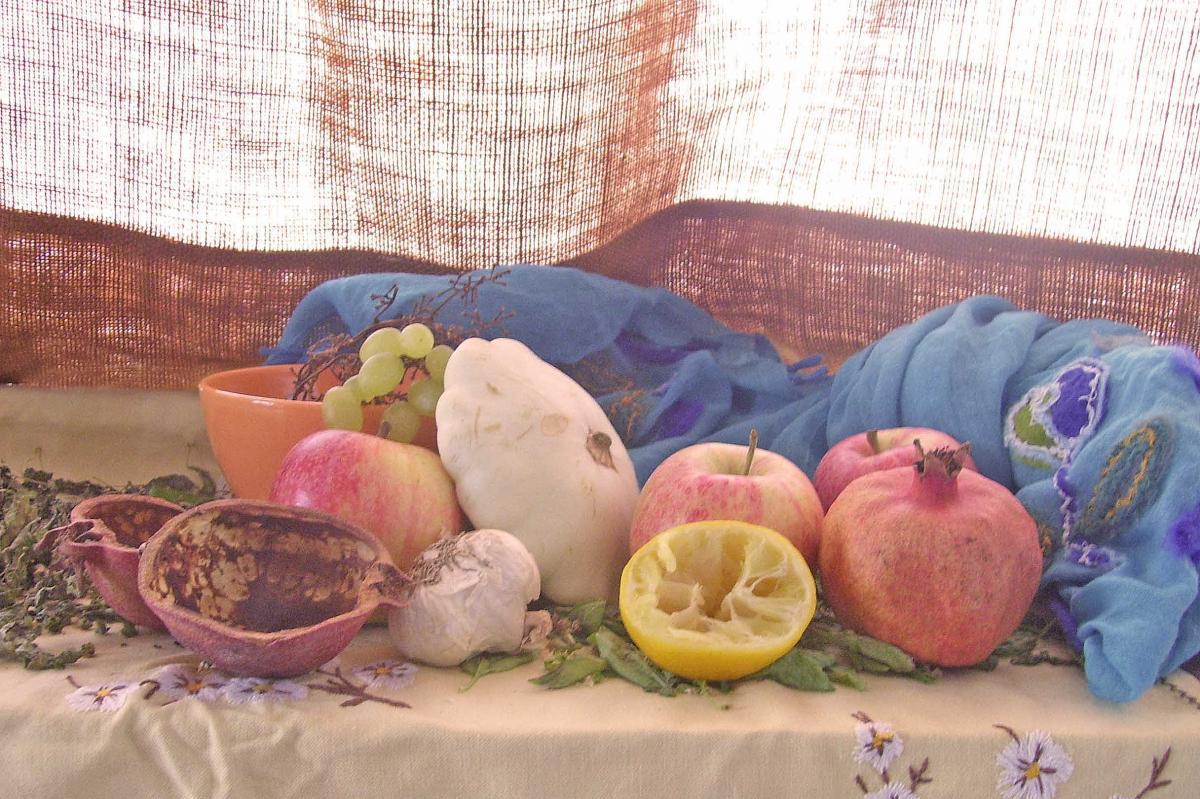 Apple cotton garlic grape