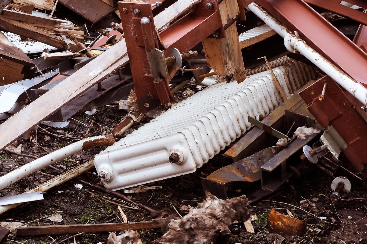 Démolition de la corrosion des bâtiments cassés #92194