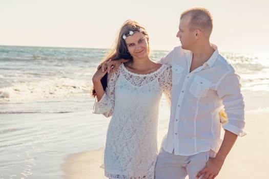 Beach couple love romantic #100233