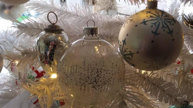 Holiday Ball Bangle #108185