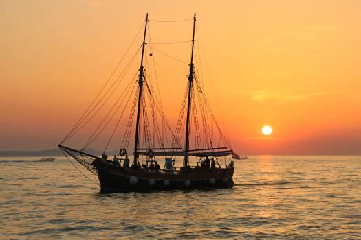 Vessel Schooner Sailing vessel #12510