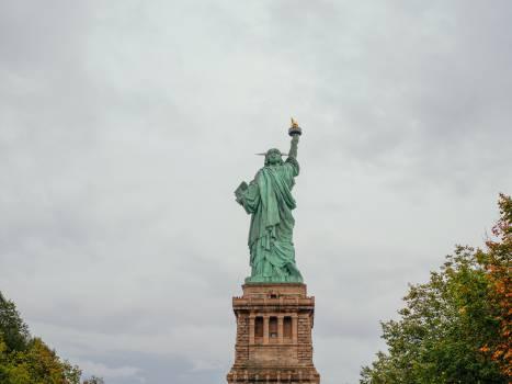 Statue Sculpture Pedestal #12609