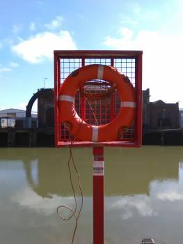 Float Traffic light Scale Free Photo