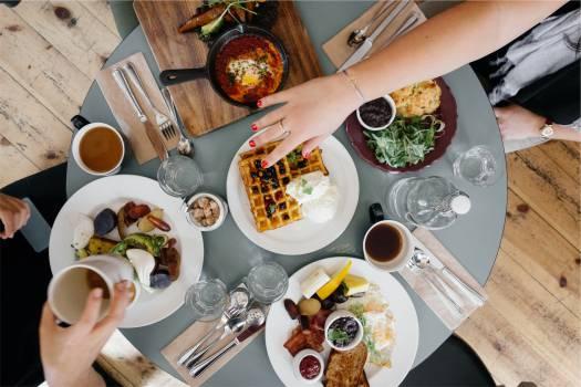 breakfast food waffles  Free Photo