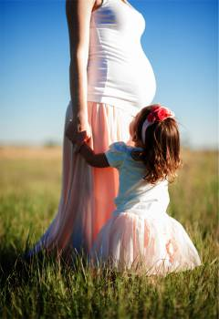 pregnant mom mother  Free Photo
