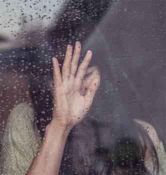 girl sad crying  #16822
