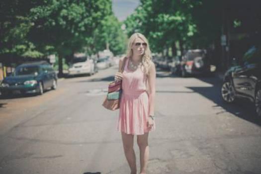 girl woman blonde  Free Photo