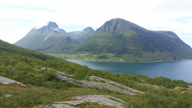 Valley Mountain Landscape #172700