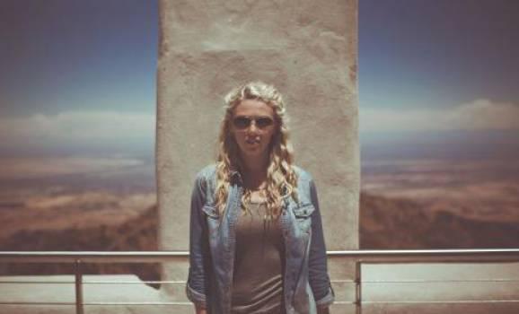 girl woman sunglasses  Free Photo