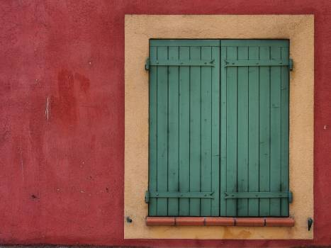 red green shutters  #17714