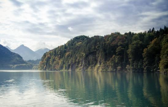 lake water reflection  Free Photo