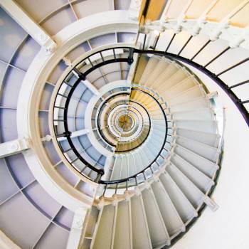 spiral staircase stairwell  #18405