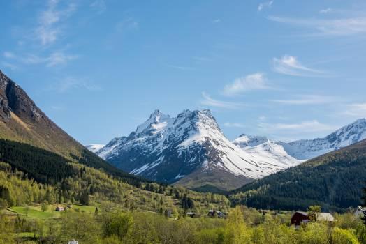 mountains peaks landscape  Free Photo